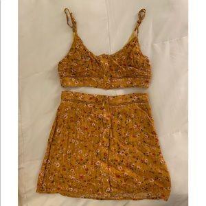 Two piece tobi skirt crop set